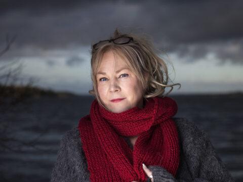 Maria Adolfsson: Mellan djävulen och havet